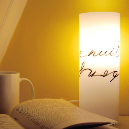 Bonne nuit bonjour lampe de chevet letters love life for Lampe de chevet anglais